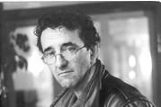 《2666》作者罗贝托·波拉尼奥首部短篇小说集《地球上最后的夜晚》及新版《荒野侦探》上市