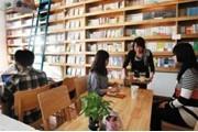 南京实体书店寻求突围 纷纷涉足文化创意产业