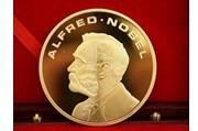 2013诺贝尔文学奖初定风向  村上春树对决美作家