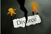 两个书痴闹离婚 分书分了老半天