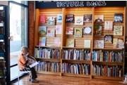 安·阿伯独立书店自成一道亮丽风景线