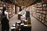 英美日书店带给我们的生存启示