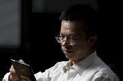 赵亮:报纸还没有资格死?