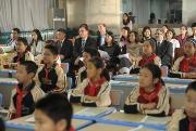 牛津大学出版社亚洲教育董事成员走进课堂了解中国教学实况