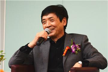 """曹文轩与他的首部系列绘本""""笨笨驴"""""""