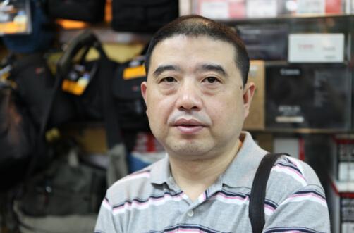 """做好专业做出品牌,他尝到了""""甜头""""——访四川文艺出版社社长吴鸿"""