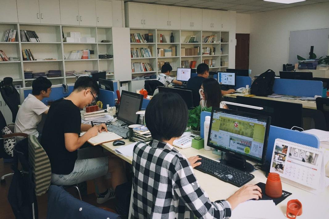 广东人民出版社招聘网店运营和图书发行人才,投简历抓紧这几天(9月22日-10月9日)
