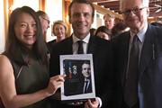 法国总统与四川人民出版社的出版机缘——法兰克福书展重磅活动之马克龙题词《变革》备受关注