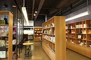 重塑知识服务时代出版业新的商业模式——专访浙江省新华书店集团有限公司总经理邓小林
