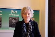 百道环球作者专访|美国畅销书作家卡琳·斯劳特:从现实中取材,靠想象去丰盈