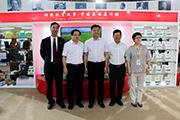 BIBF中国出版集团展区——黄坤明参观、指导扶贫等主题出版