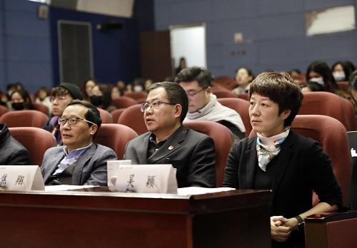 弘扬革命精神,传承红色基因——长篇小说《女兵安妮》新书发布会暨图书捐赠仪式在南京举行