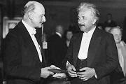 讲书堂 | 《爱因斯坦与柏格森之辩》:改变我们时间观念的跨学科交锋